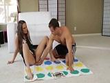 Pasando un buen rato con el juego del Twister!
