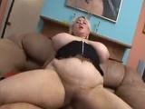 Gorda, tetona, madura y amante del sexo duro