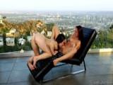 Sexo lésbico al aire libre con su amiga