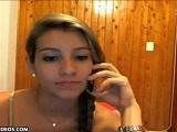 Venganza: Se folla al amigo de su novio por la webcam